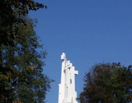 pomnik trzech krzyży w Wilnie