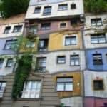 Atrakcje Wiednia - Hundertwasser dom - kompleks mieszkalny zaprojektowany przez Friedensreicha Hundertwassera - informacje praktyczne